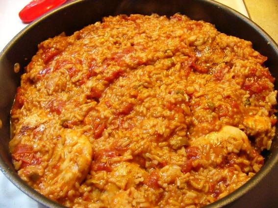 Spicy Chicken Thighs in Spanish Rice (5)