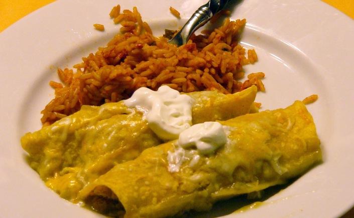 Super Easy Green Chili Chicken Enchiladas – Rosemarie's Kitchen