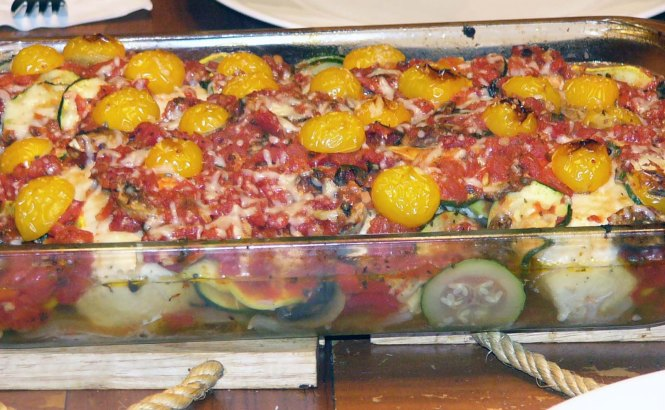 Easy Chicken Baked with Vegetables (9)
