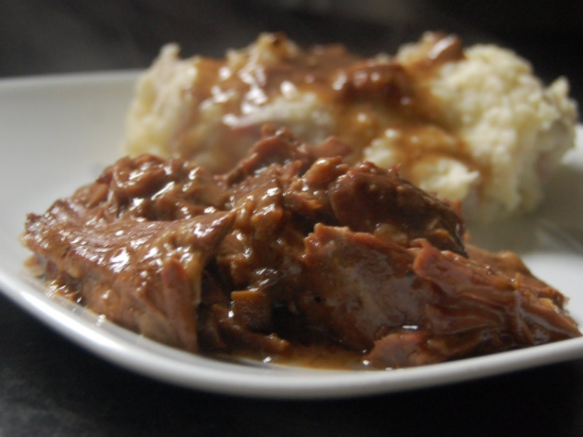 Crock Pot Chuck Roast With Brown Gravy on steak with cream sauce recipe