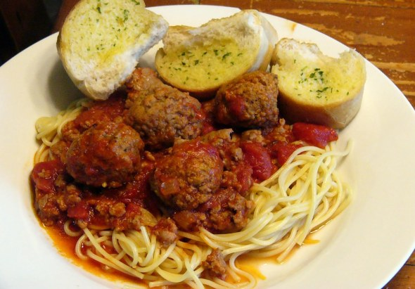 Spaghetti Meat Sauce with Meat Bals (5)