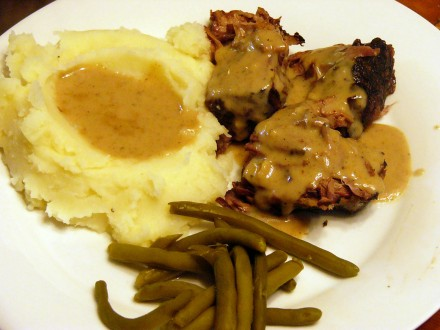 Crock Pot Pot Roast with Creamy Gravy (3)