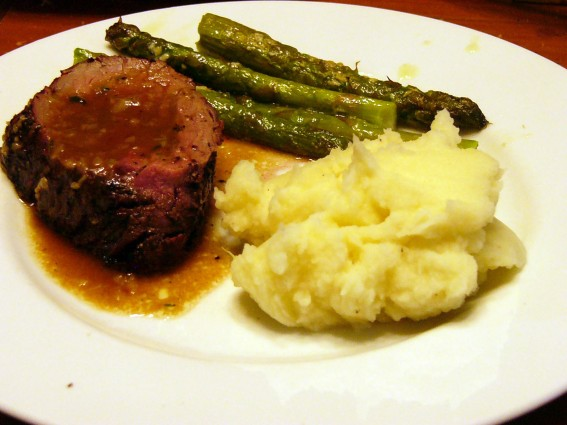 Peppered Grilled Beef Tenderloin with a Port Sauce (6)