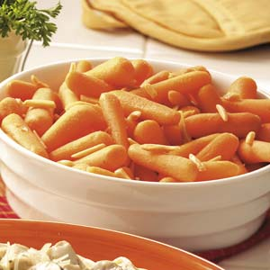 baby-carrots-with-almonds